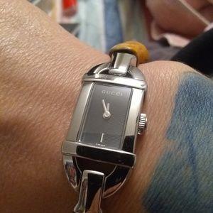 Gucci 6800L bamboo and silver bangle wrist watch